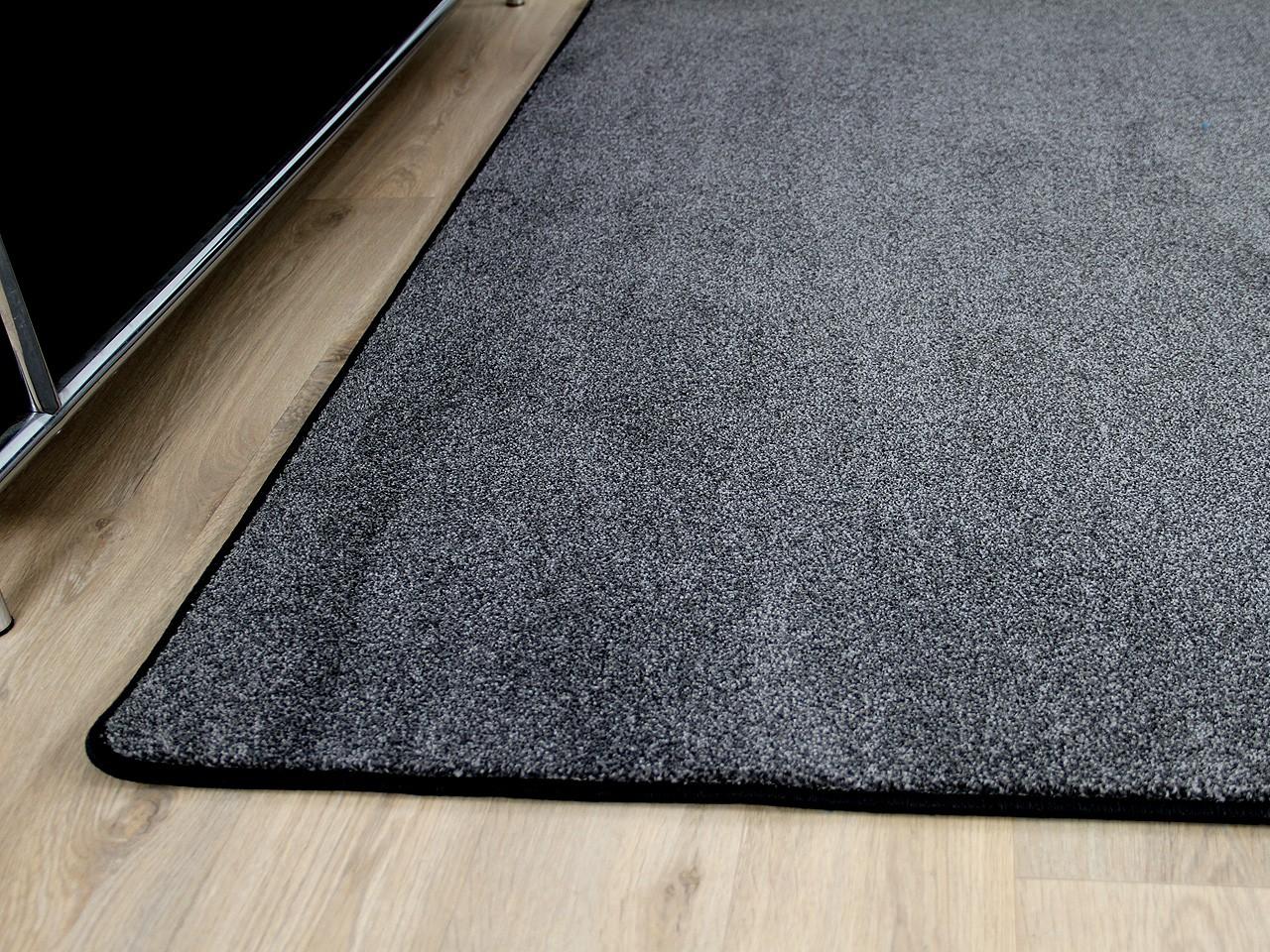 hochflor velours teppich belini melange anthrazit in 24 gr en teppiche hochflor langflor. Black Bedroom Furniture Sets. Home Design Ideas