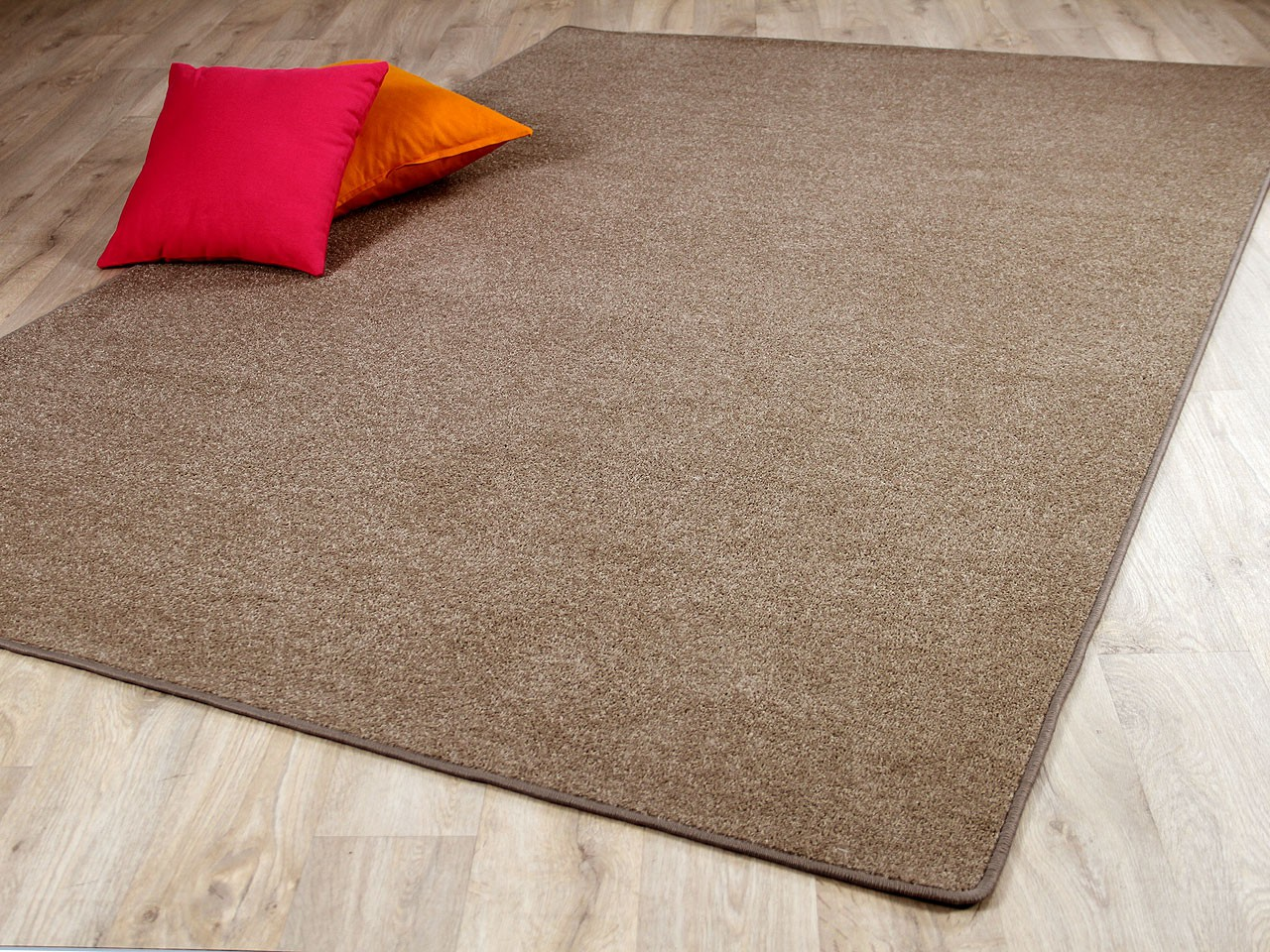 trend velours teppich joy karamell sonderaktion teppiche veloursteppiche trend velours joy. Black Bedroom Furniture Sets. Home Design Ideas