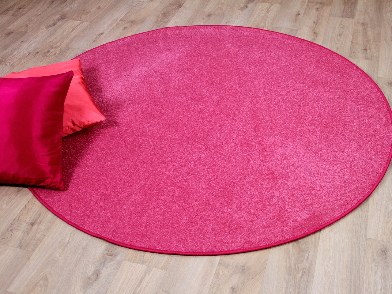 trend velours teppich joy rosa rund sonderaktion. Black Bedroom Furniture Sets. Home Design Ideas