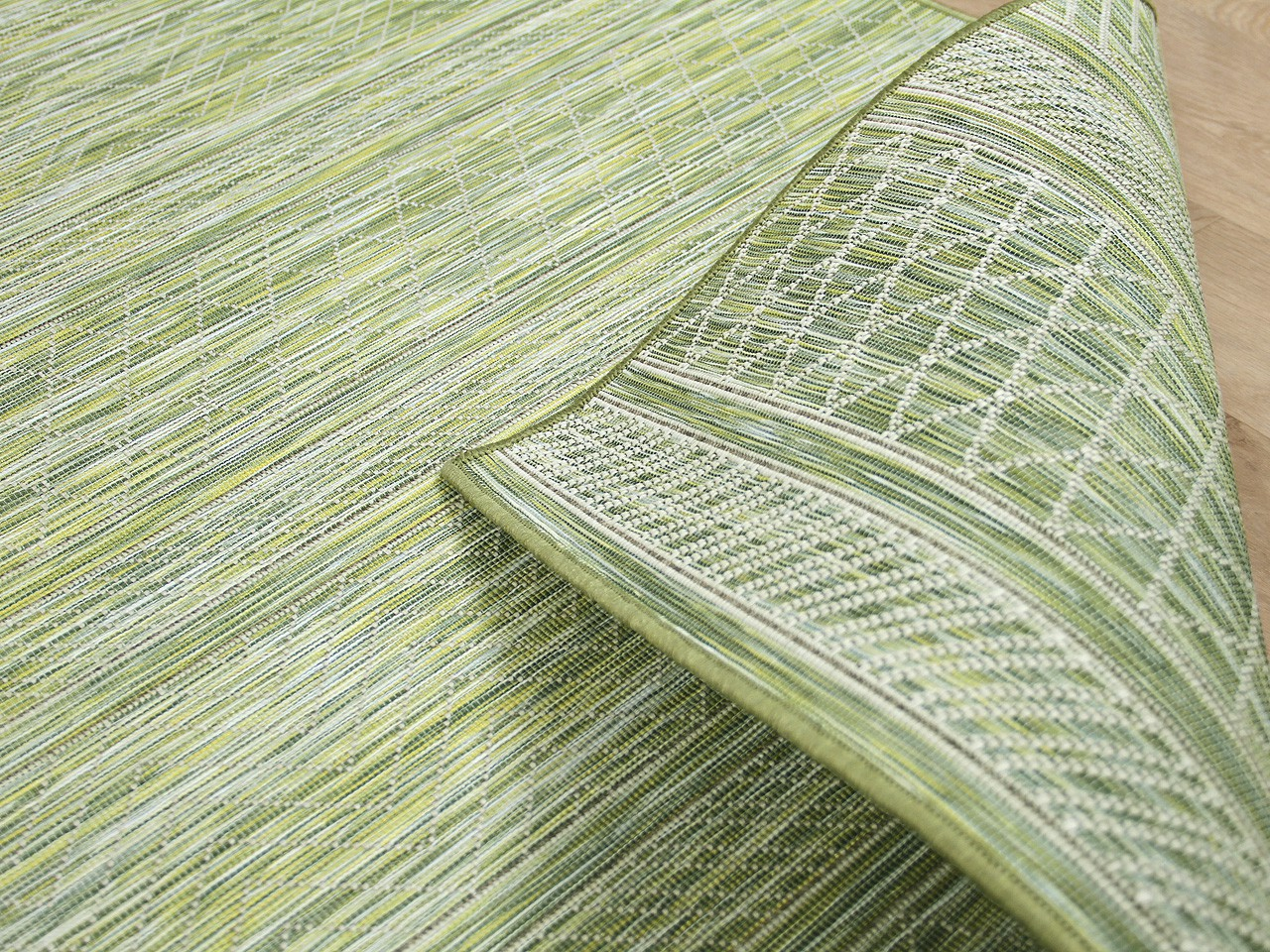 in outdoor teppich beidseitig flachgewebe hampton gr n. Black Bedroom Furniture Sets. Home Design Ideas