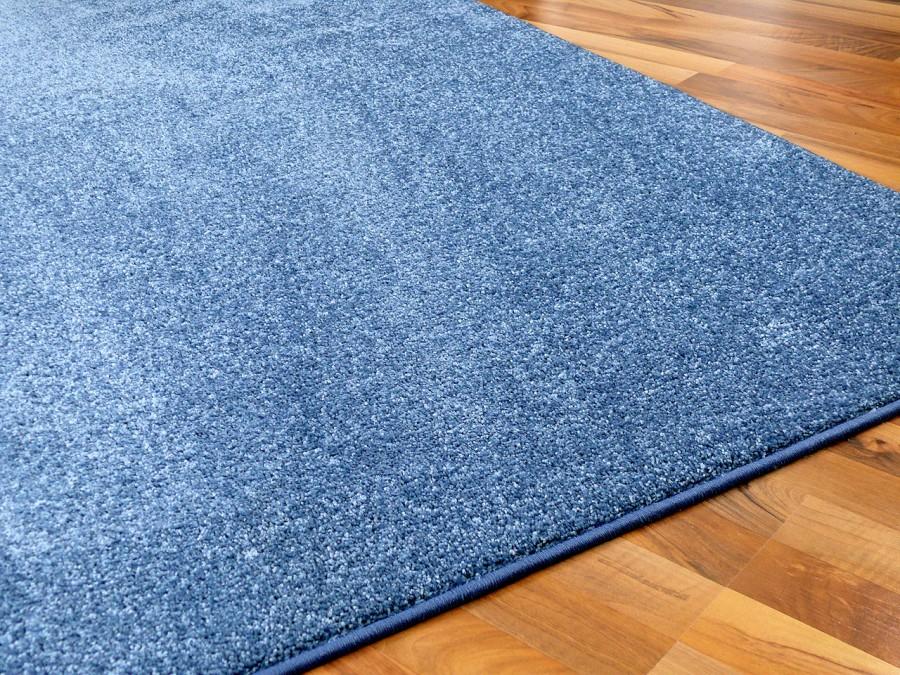 hochflor velours teppich triumph blau in 24 gr en teppiche hochflor langflor teppiche gr n und blau. Black Bedroom Furniture Sets. Home Design Ideas