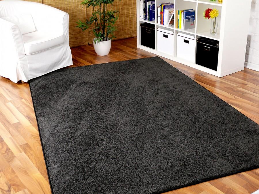 hochflor velours teppich triumph anthrazit in 24 gr en teppiche hochflor langflor teppiche. Black Bedroom Furniture Sets. Home Design Ideas
