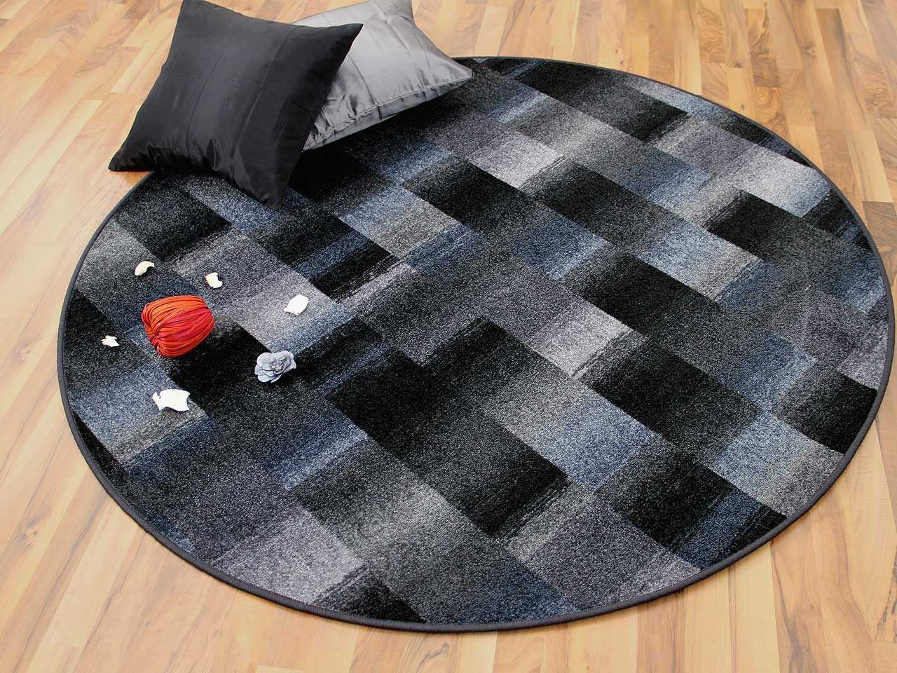designer velour teppich mystic karo blau grau rund teppiche designerteppiche mystic teppiche. Black Bedroom Furniture Sets. Home Design Ideas