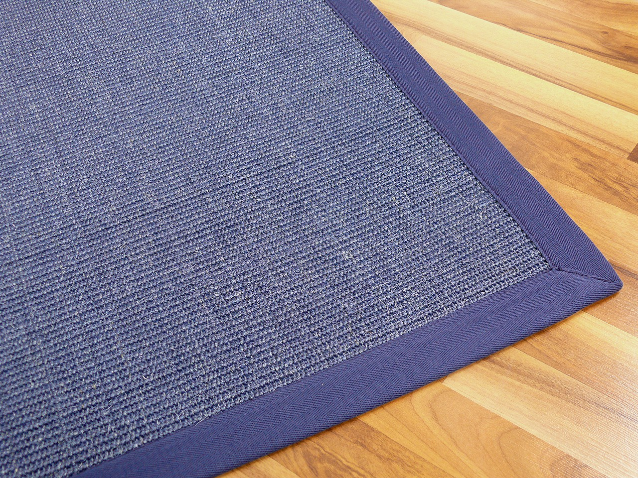 sisal astra natur teppich blau bord re blau teppiche sisal und naturteppiche sisal teppiche mit. Black Bedroom Furniture Sets. Home Design Ideas